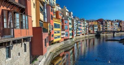 Girona - Häuser am Wasser