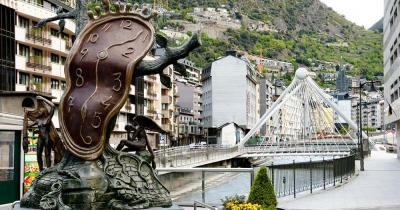 Andorra - Brücke mit Statue