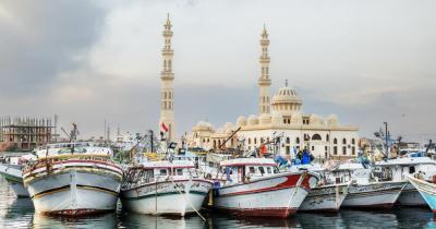 Hurghada Sekalla - Moschee mit Fischerboote