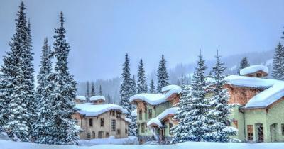 Sun Peaks Resort - Blick auf das Dorf
