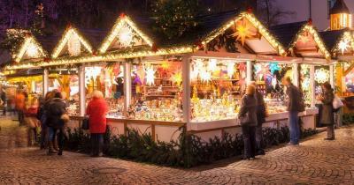 Nürnberger Christkindlesmarkt - Verkaufsstand am Weihnachtsmarkt