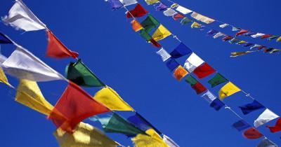 Lahaul und Spiti - Gebetsfahnen am Kunzum Pass