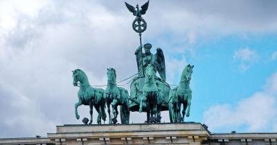 Brandenburger Tor - Statue