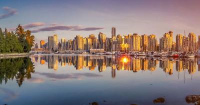 Vancouver - Skyline im Abendlicht