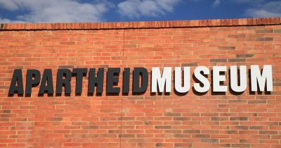 Apartheid Museum - Schriftzug