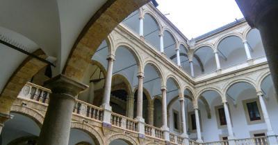 Cappella Palatina - Innenhof