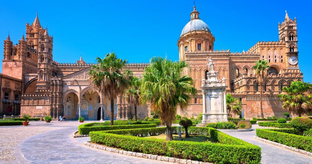 Palermo - Blick auf die Cathedral von Palermo
