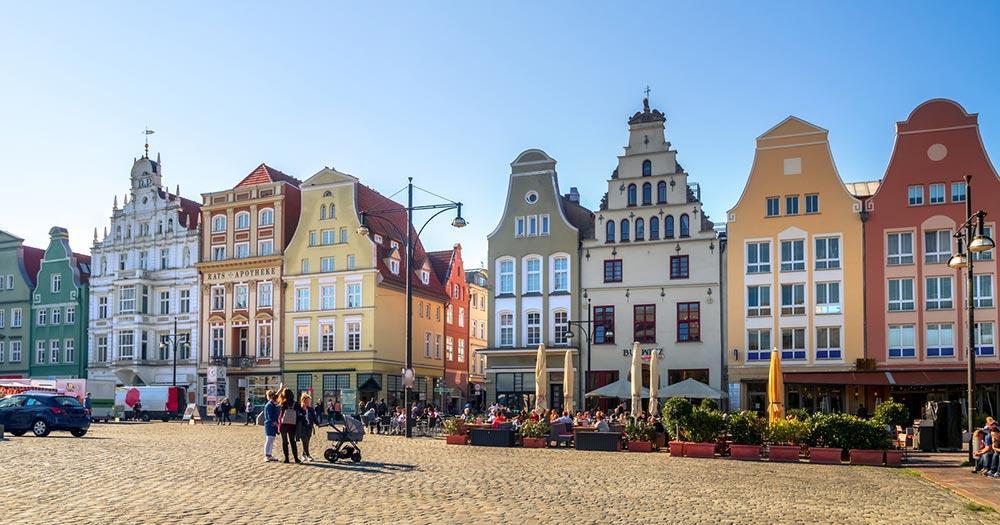 Rostock - Häuserzeile auf dem neuen Markt