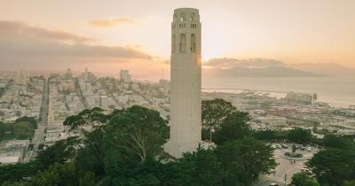 Coit Tower - im Gegenlicht