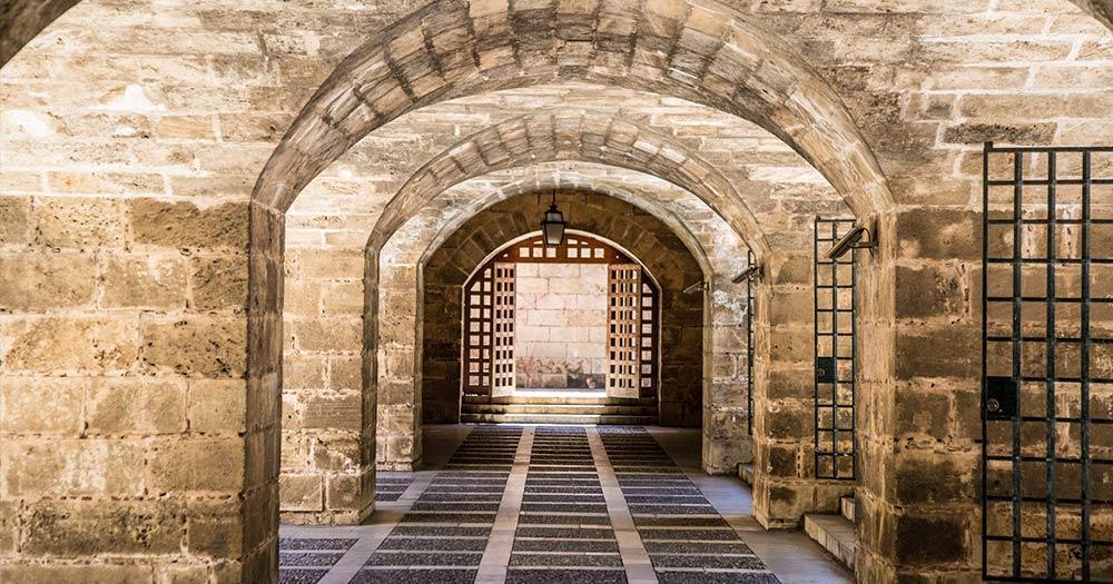 Königspalast La Almudaina - altertümliche Torbögen