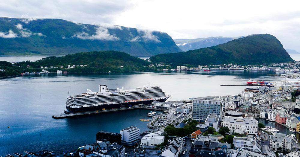 Bergen - Alesunds Hafen
