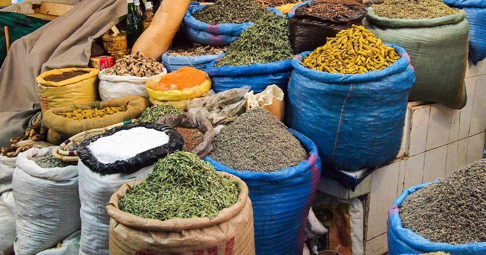 Meknès / Gewürze am Markt in Meknès