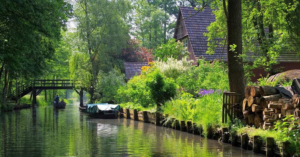 Spreewald - Häuser am Fliess
