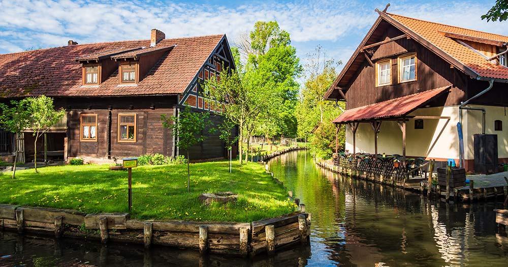 Spreewald - 2 Häuser am Wasser