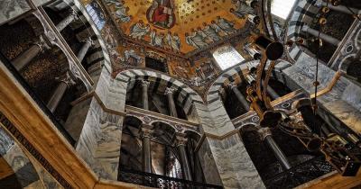 Aachener Dom / der Aachener Dom von innen