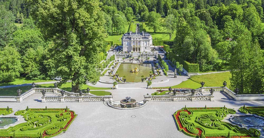 Schloss Linderhof Bei Reise Und Urlaubsziele