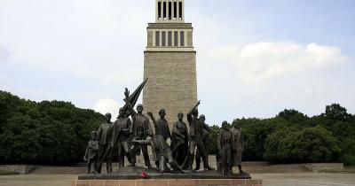 Gedenkstätte Buchenwald / Klockenturm und Gedenkstätte