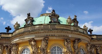 Schloss Sanssouci / Die Schlossanlage Sanssouci in Potsdam