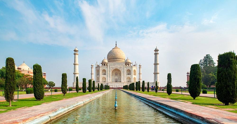 Taj Mahal / Frontaufnahme des Taj Mahal