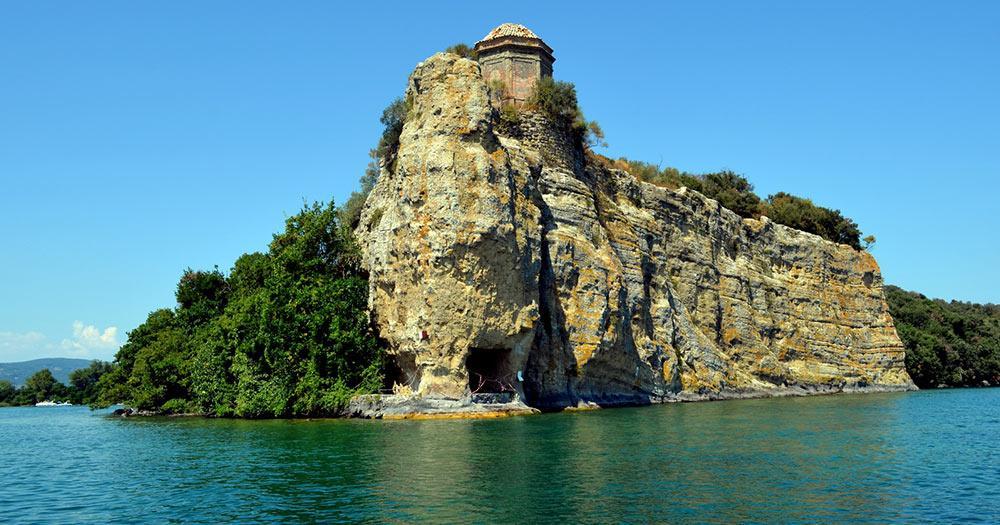 Bolsenasee / die Insel Bisentina