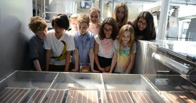 Schokoladenmuseum Köln / Kinder bei einer Führung durchs Schokoladenmuseum