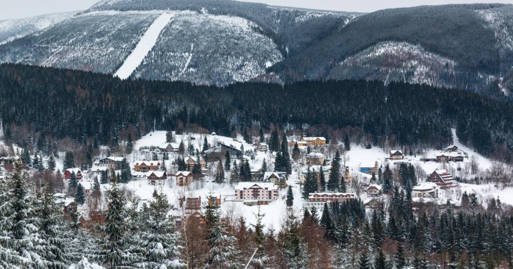 Spindlermühle - Blick auf den Ort vom Berg Medvedin aus