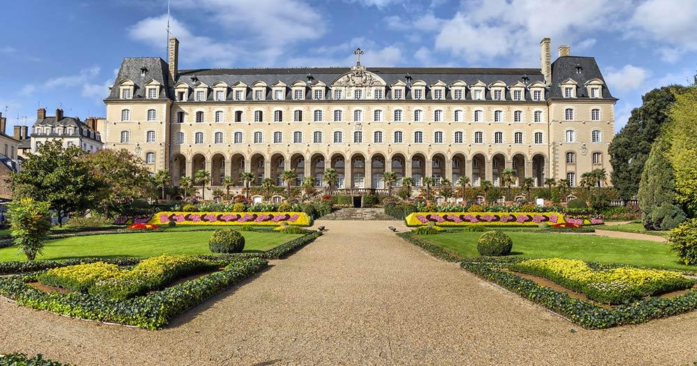 Rennes / Saint-George Schloss un Rennes