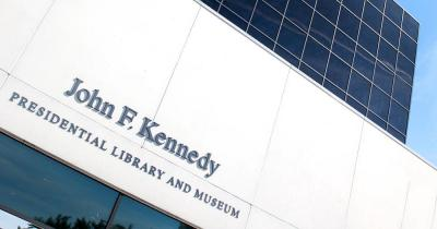John F. Kennedy Bücherei und Museum / John F. Kennedy Bücherei und Museum