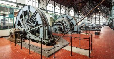 Zeche Zollern - Maschinenhalle im Gebäude