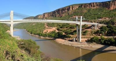 Nil - Brücke in den Bergen über den Nil in Äthiopien