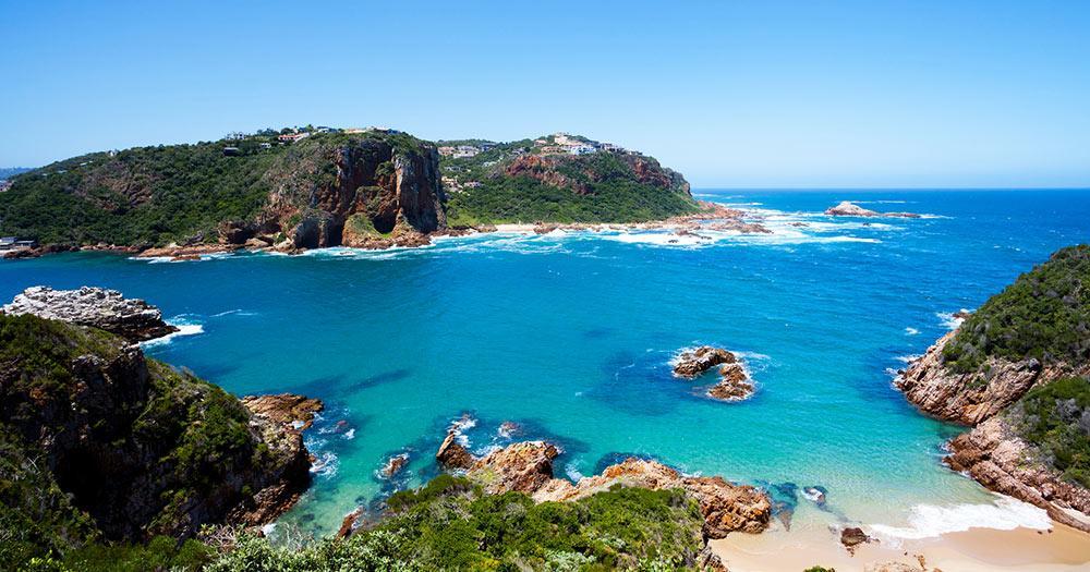Westkap - wunderschöner Strand mit blauem Meer in Südafrika
