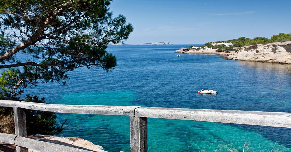 Ibiza - Blick auf malerische Bucht