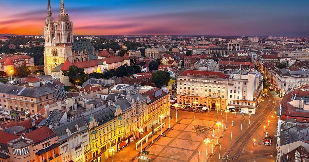 Weihnachtsmarkt Zagreb -  Ban Jelacic Platz
