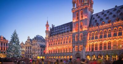 Weihnachtsmarkt Brüssel - Weihnachtsmarkt mit Lichtshow am Grand Place