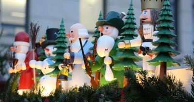 Weihnachtsmarkt Dresden - Weihnachtliche Holzfiguren