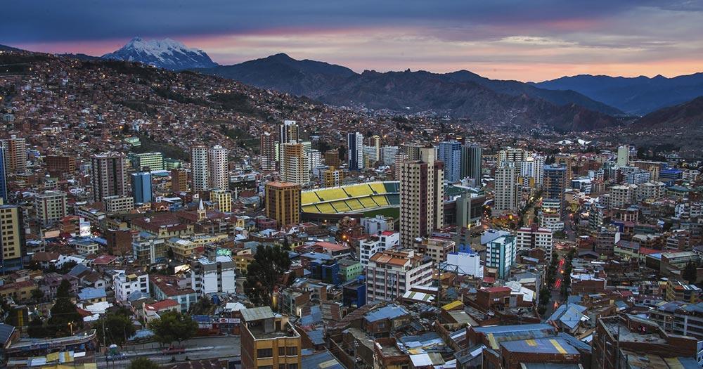 La Paz - Skyline von La Paz im Abendlicht