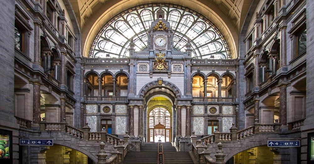 Antwerpen - Die Bahnhofhalle von Antwerpen