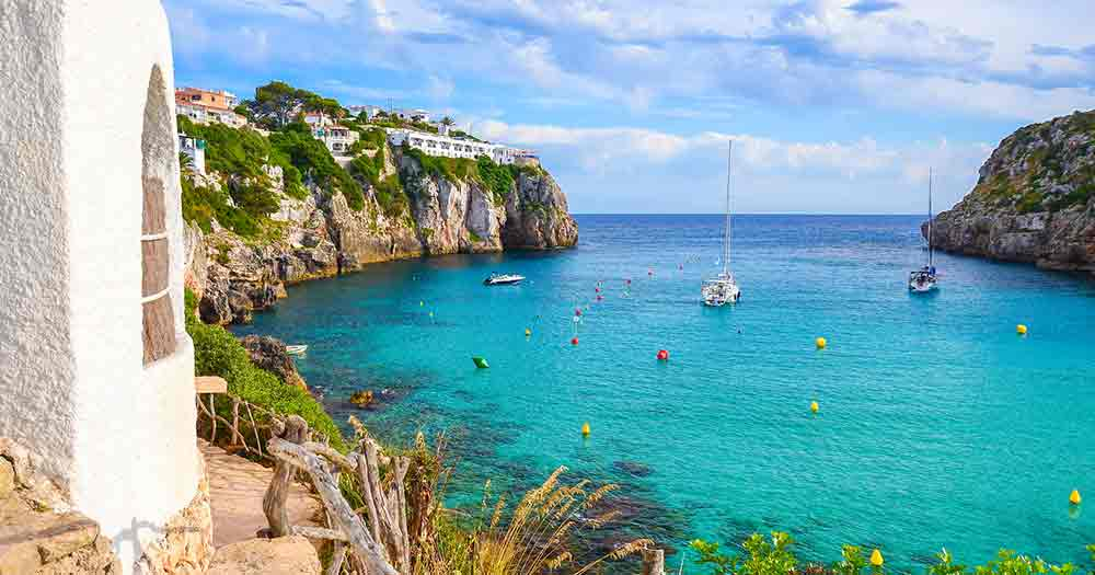 Menorca - Schiffe im Meer