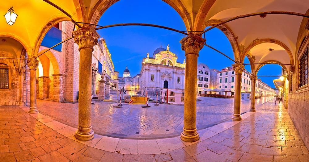 Dubrovnik -  Bogengang im Abendlicht