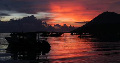Bunaken - Sonnenuntergang am Strand