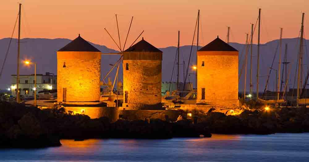 Rhodos - Bild auf den Hafen bei Nacht