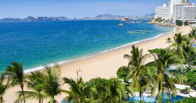 Acapulco - Blick vom Hotel auf den Strand
