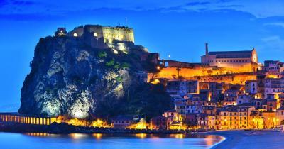 Reggio Calabria - Blick auf Scilla