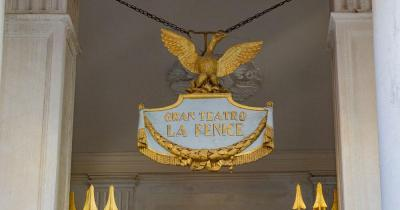 Teatro La Fenice - Eingangsschild