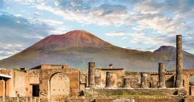 Pompeji - Vesuv im Hintergrund