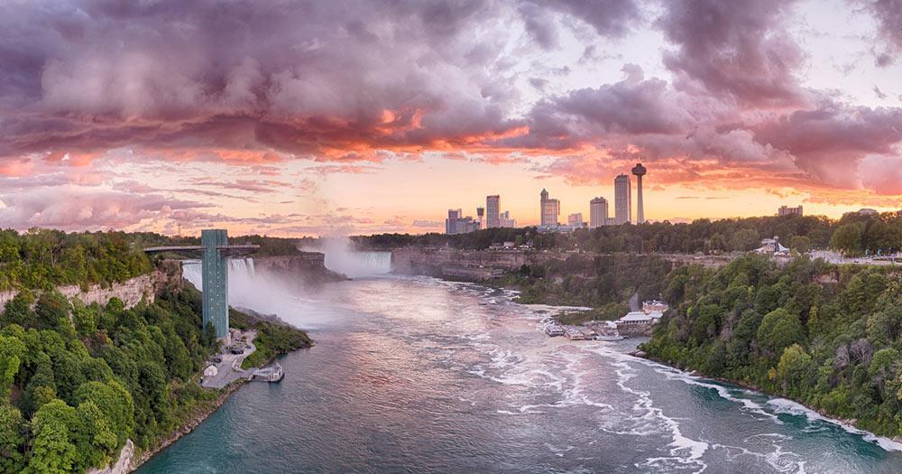 Niagarafälle - im Abendrot