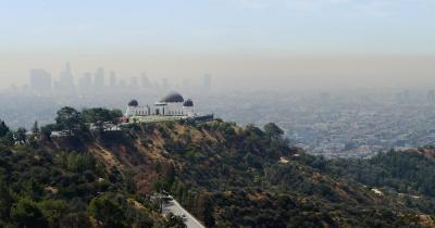 Griffith-Observatorium - mit Los Angeles Skyline