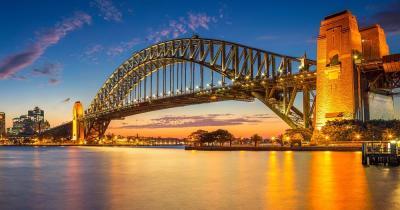 Sydney Harbour Bridge - beleuchtete Brücke