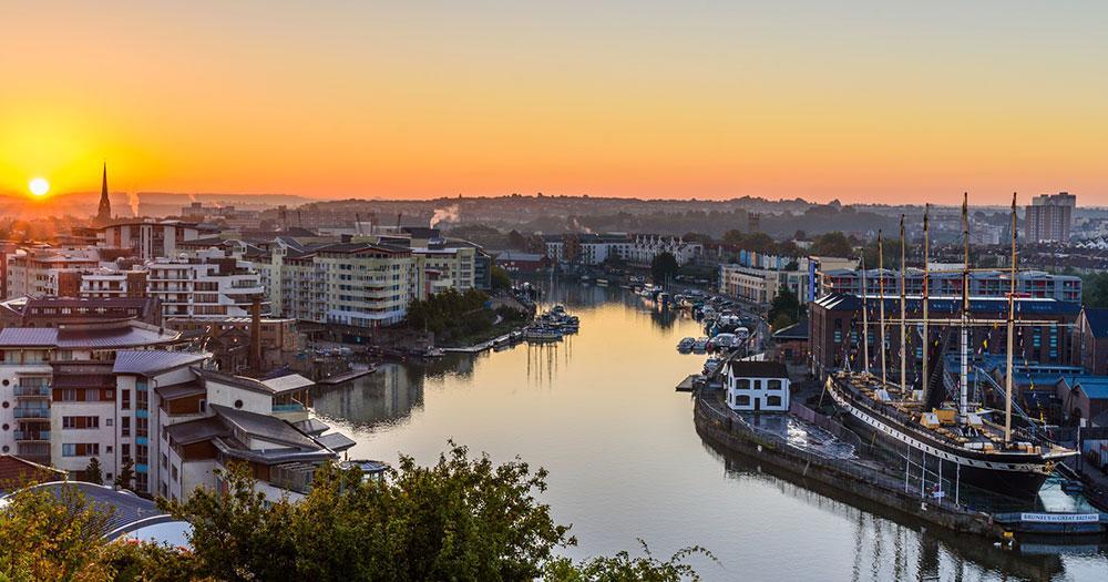 Bristol - Blick auf den Hafen beim Sonnenuntergang