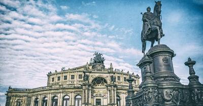 Semperoper Dresden - Statue von König Johann